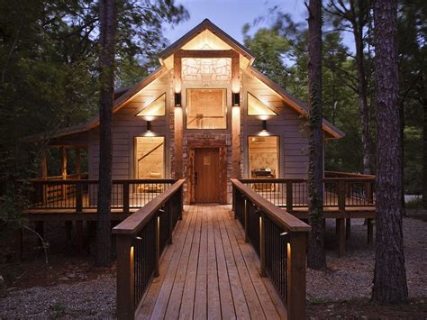 Cabin Broken Bow by Check