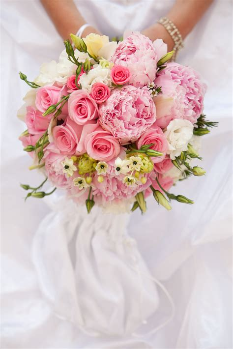 wedding flowers beautiful wedding flowers bespoke bouquet ideas