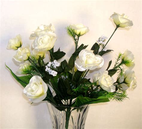 18 small rose blossom white artificial silk flowers bouquet