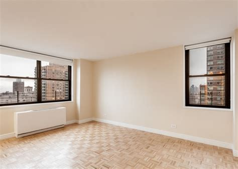 no fee 1 bedroom apartments nyc spacious 2 bedroom in doorman building new york city