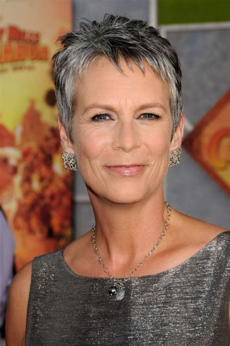 jamie lee haircut styles maintenance the 17 hottest silver foxes jamie lee curtis lee curtis