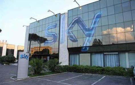 sede sky roma sky liberi di scoprire la nuova offerta tg24 sky it