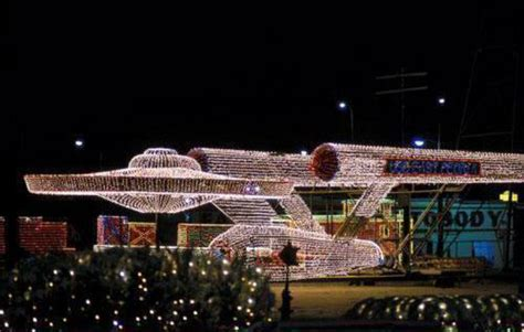 incredible star trek u s s enterprise christmas light