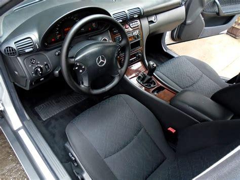 lava tappezzeria auto pulire sedili auto in tessuto