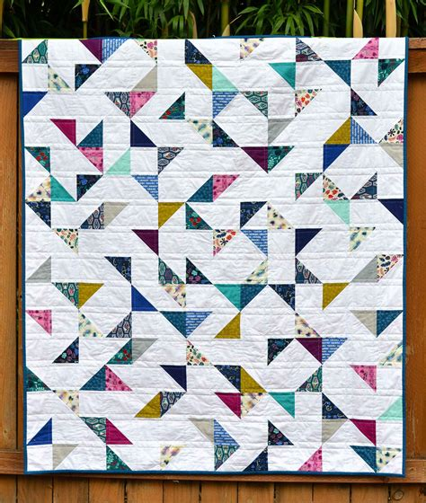 Hst Quilt by Lagoon Hst Quilt With Tutorial Kitchen Table Quilting