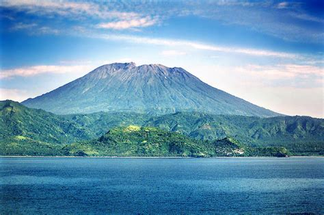 detiknews gunung agung bali gunung agung bali one with nature