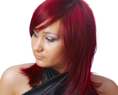 burgundy highlights on shag haircuts 10 rich burgundy hair colors that will work on you