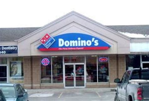 domino pizza rest area domino s pizza bowmanville 100 mearns ave restaurant