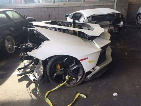 lamborghini aventador in half lamborghini aventador in half at mechanic shop dpccars