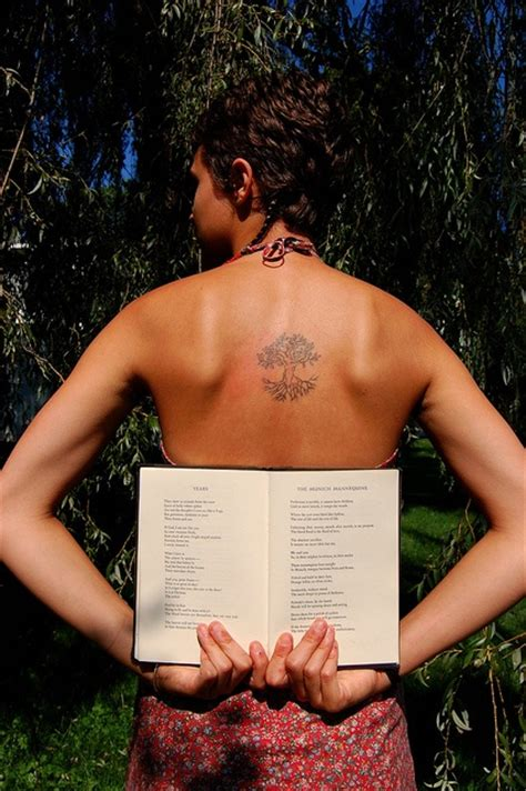sylvia plath tattoo sylvia plath inspired think books tattoos