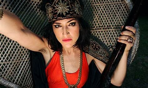 sarah silverman armpits sarah silverman armpit wallpaper pictures