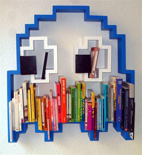 pac bookshelf get schooled by a ghost technabob