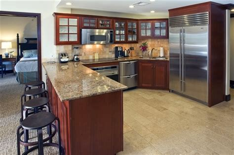top of the line kitchen appliances guests love us see why luxury beach resort condo
