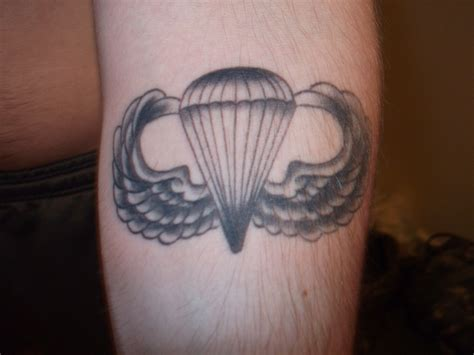 airborne tattoo 1000 images about tatoos on parachutes
