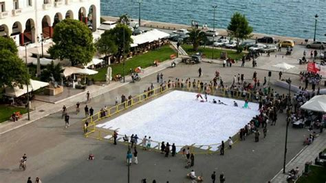 400 square meters to feet travgreece thessaloniki origami guinness record 400