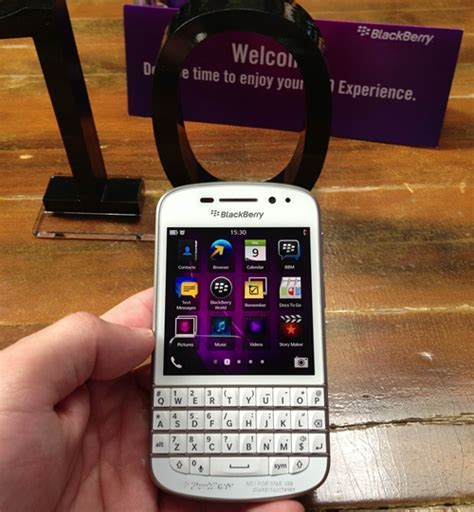 blackberry q10 themes free download free download line for bb q10 white dancededal