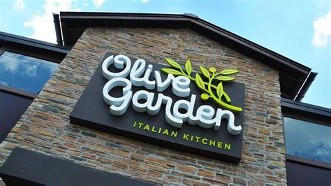 problems with olive garden olive garden employee blames shorted tips on faulty automated ordering eater
