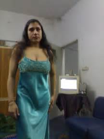 Honeymoon Sleepwear Tamil Girls Remove Nighty Pics College Girls In Nighties