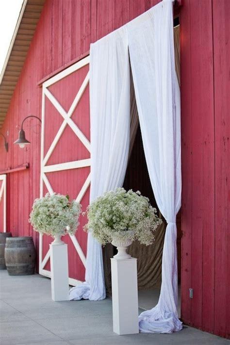 Wedding Ceremony Entrance by 23 Baby S Breath Wedding Decor Ideas And