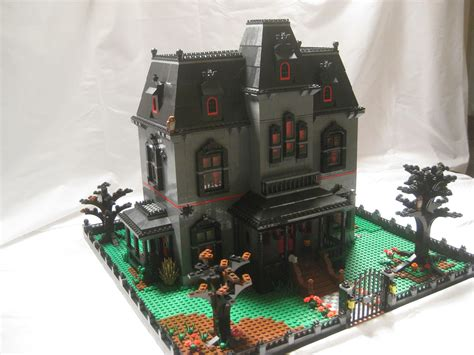 Diorama House by Lego Ideas Haunted Mansion