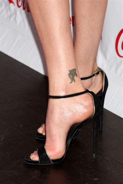charlize theron tattoo charlize theron s high heels xoxo foot tattoos