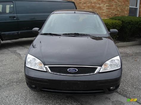 2005 focus zx3 2005 pitch black ford focus zx3 ses coupe 21458622 photo