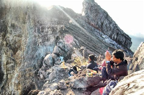 batik air gunung agung how to trek gunung agung bali indonesia