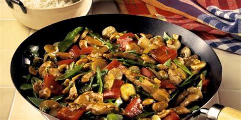 c mo cocinar pechuga de pollo c 243 mo preparar wok de verduras f 225 cilmente