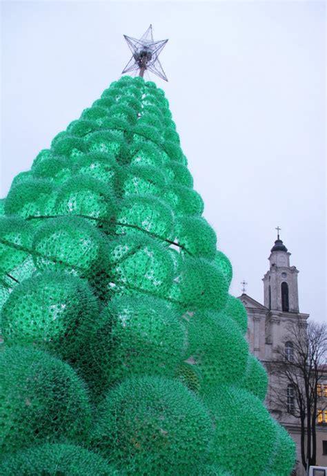 christmas trees made of bottles dagensinn tree from plastic bottles