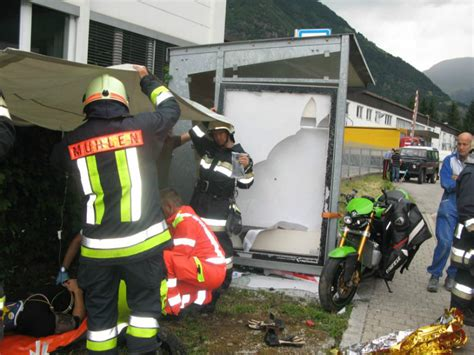 Motorradunfall Quickborn 11 07 15 by Freiwillige Feuerwehr M 252 Hlen In Taufers Motorradunfall