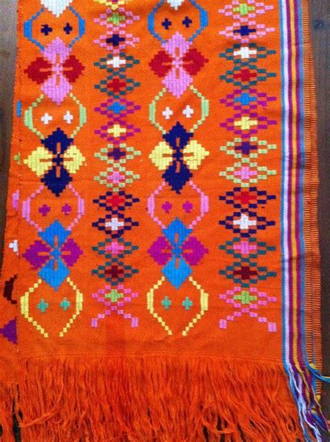 Sarung Tenun Motif Ahd Orange ntt traditional ikat weaving orange krawang shawl timor motif s traditional tenun ikat