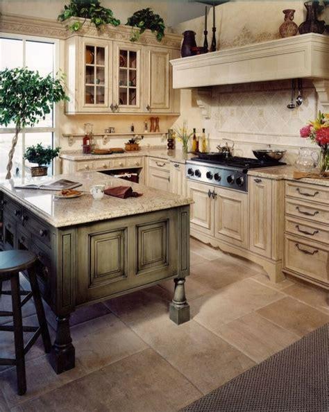 küche bestellen welche wohnzimmer farbe passt zu roter