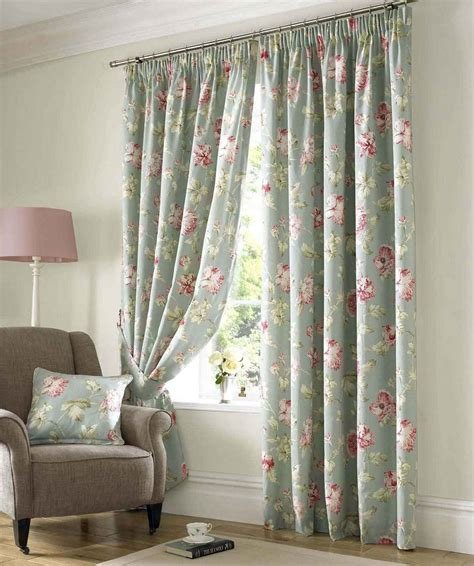 bedroom cozy red white floral motif bedroom curtains combination accessories artistic bedroom decoration using grey red