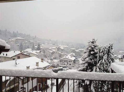 meteo pavia domani e prossimi giorni lombardia nevicate in arrivo domani fiocchi di neve