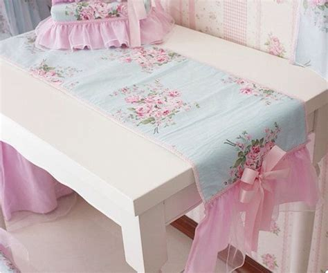 shabby chic table runner shabby chic table runner recherche nappes et