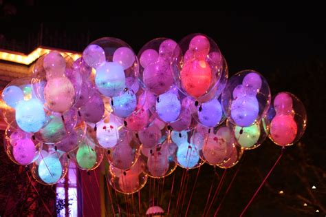 mickey mouse light up balloons photo trip report mickey s at disneyland