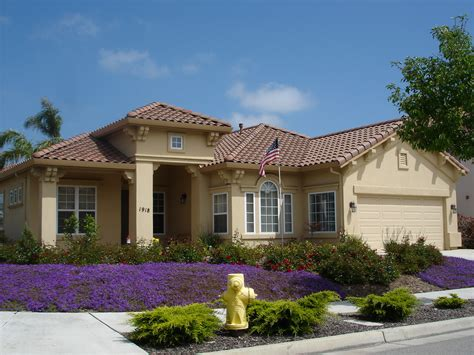 california style house scape ideal ideas for landscaping on side of house