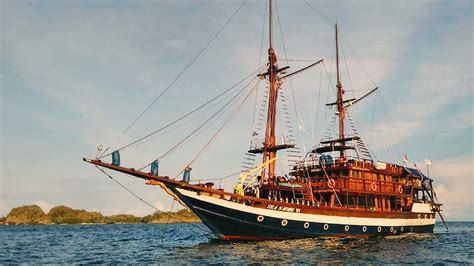 bali pirate dinner cruise