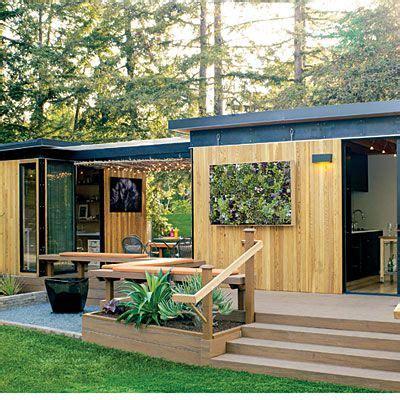Backyard Guest Room by Readymade Backyard Cottage Backyard Cottage Backyards