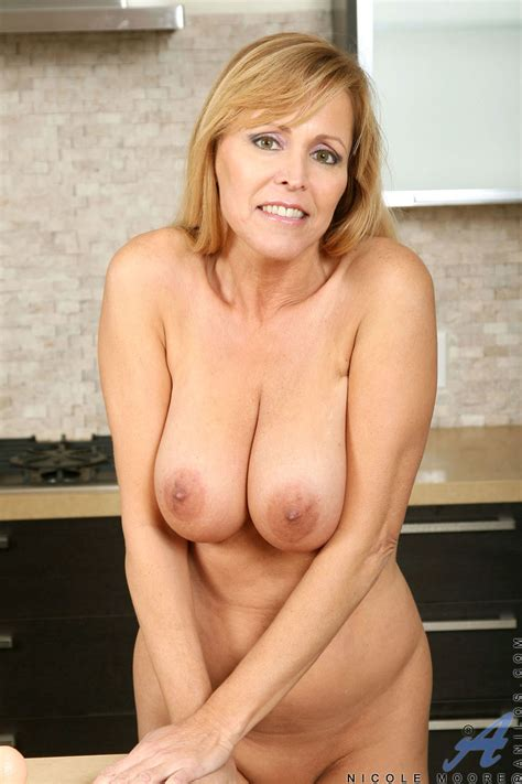 busty nicole moore teasing with a toy free cougar sex