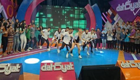bts ke indonesia mumpung di indonesia fans minta dahsyat datangkan jin bts