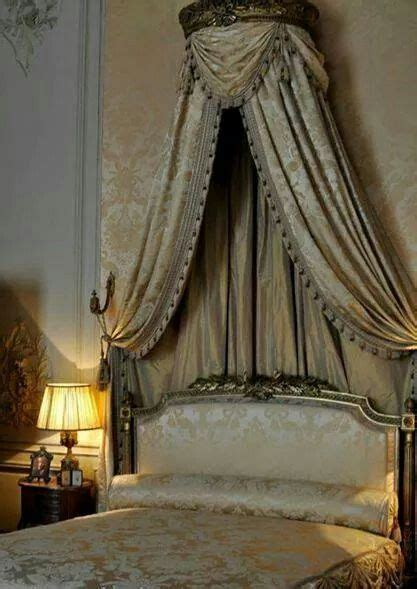 french bedroom classic elegance   bed crown