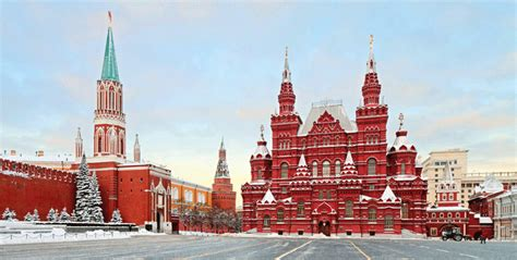 5 reasons to visit russia 30 reasons you should never visit russia erasmus