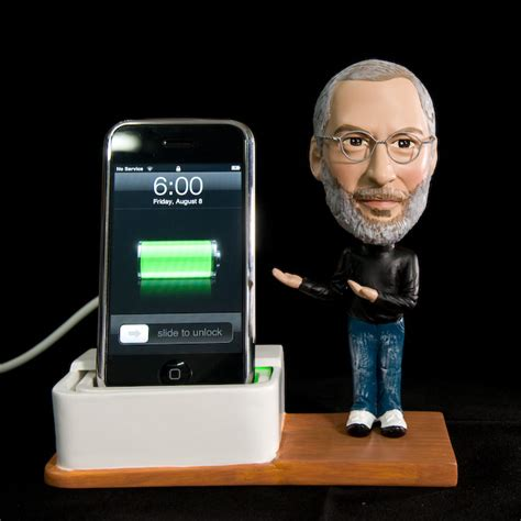 iphone 6 bobblehead steve bobblehead iphone dock brings a jobsnote to