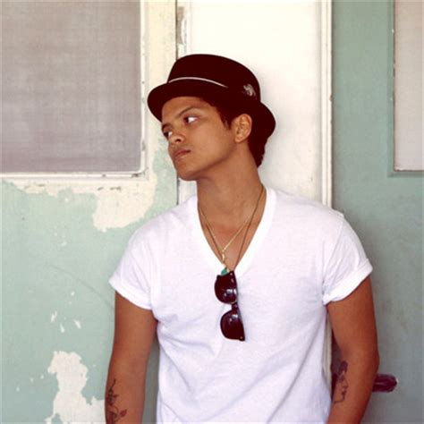 biographie de bruno mars bruno mars short biography peter gene hernandez bruno