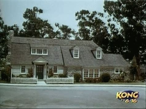 House Tv Show Location The Douglas House In California Sitcoms Message