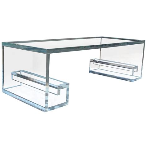 Acrylic Coffee Tables Key Lucite Coffee Table At 1stdibs