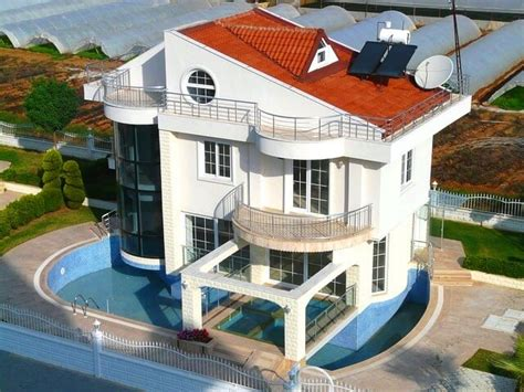 haus mit schwimmbad pool immobilien lexikon