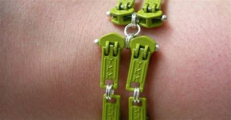 spray paint zipper zipper pull upcycle upcycling ideas clothing