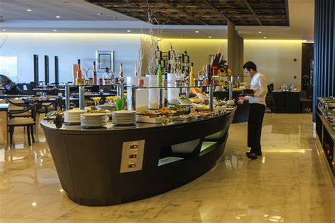 corniche abu dhabi restaurants late weekend breakfast at sofitel abu dhabi corniche abu